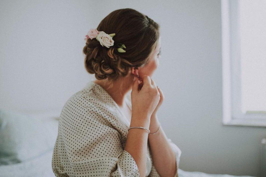 Vjenčana frizura - fotografija: Small Weddings