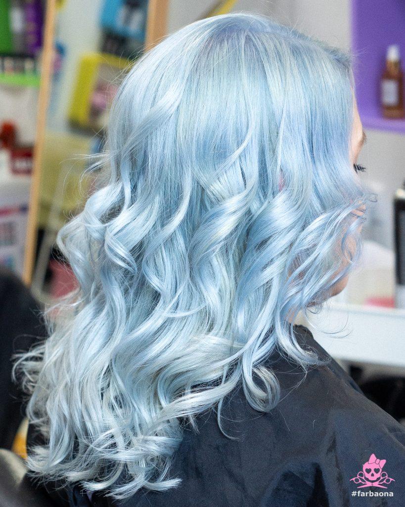 Farbaona - ledeno plava kosa